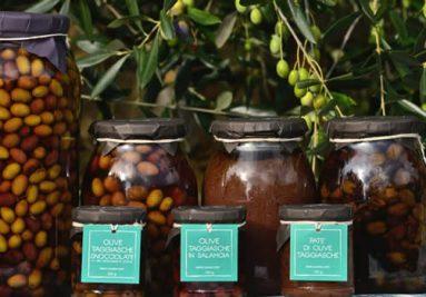 olive taggiasche_in salamoia_snocciolate